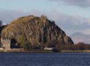 BJ5N95 Looking across the River Clyde to Dumbarton Rock and Castle in West Dunbartonshire Scotland UK
